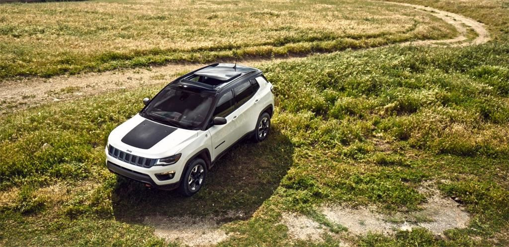 2018-Jeep-Compass-VLP-Gallery-Exterior-08.jpg.image.1440.jpg